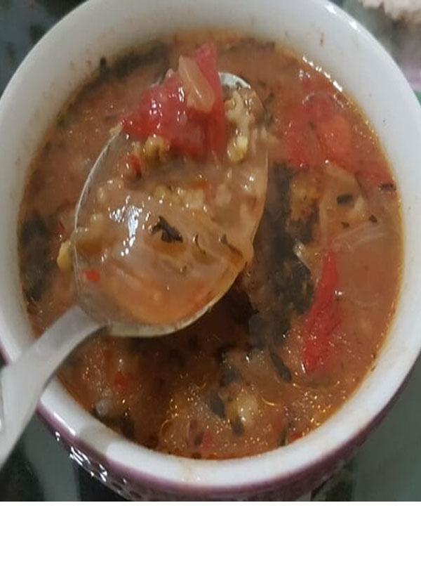Alaca çorba içerisine ilave edilen maş fasulyesininde ayrıca çorbası yapılabilir.