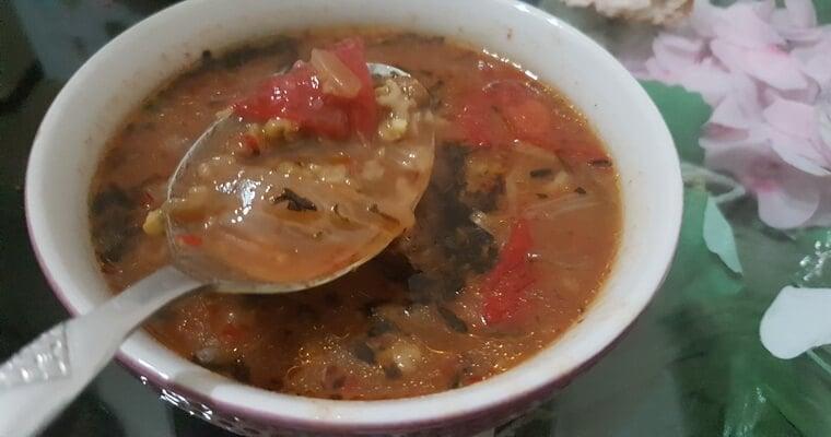 Maş çorbası kış mevsiminde tüketilen bir yemektir. Yine alaca çorba da olduğu gibi bayat ekmek ve turşu ile birlikte tüketilebilir. Sağlıklı ve doyurucudur.